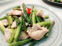 椒鹽蘆筍炒雞胸