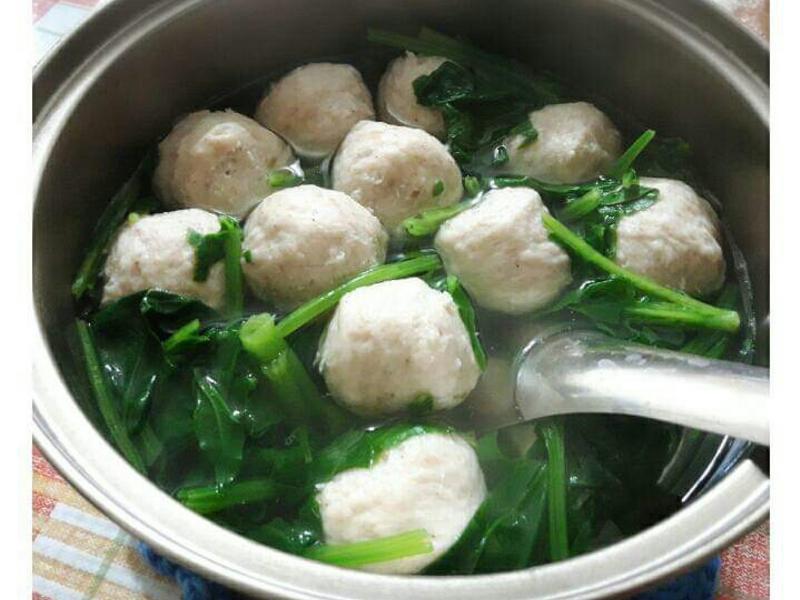 波菜魚丸湯