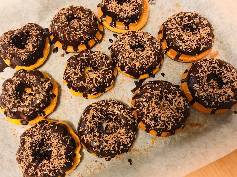 無人能敵:手作巧克力甜甜圈