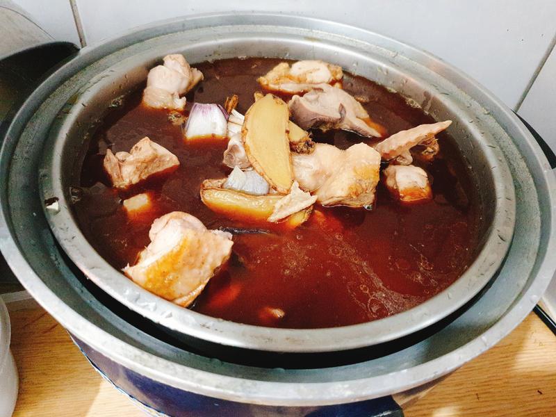 電鍋版麻油米酒雞湯