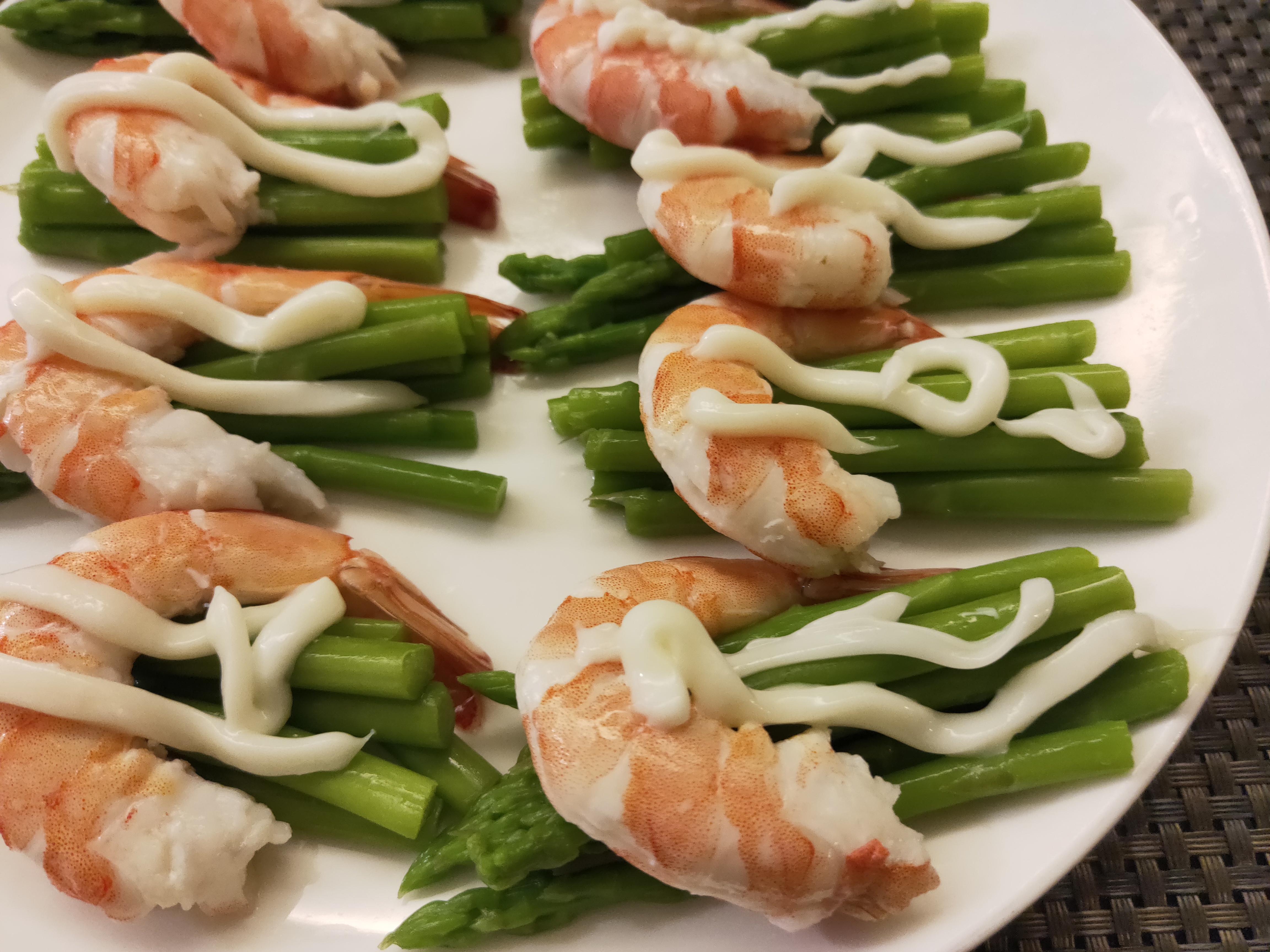 鮮蝦蘆筍沙拉