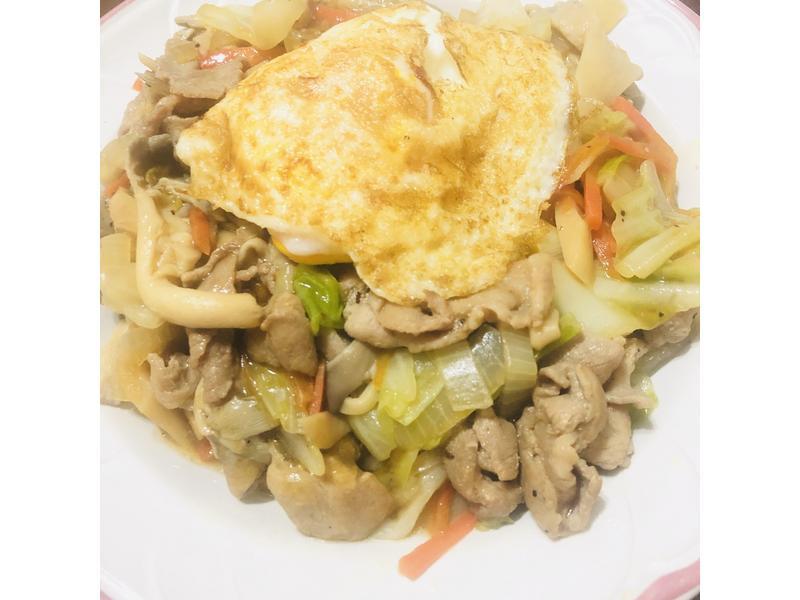 豬肉雙菇鮮蔬蓋飯