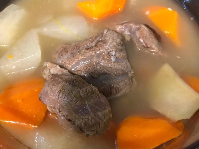清燉牛肉湯及獨家沾醬