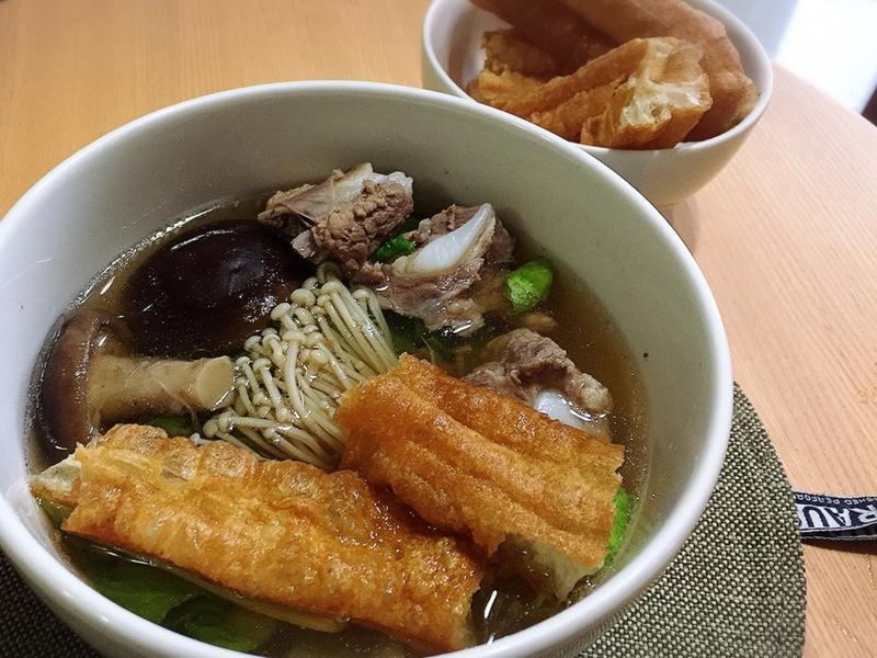 新加坡肉骨茶(胡椒味湯頭)-懶人電鍋料理