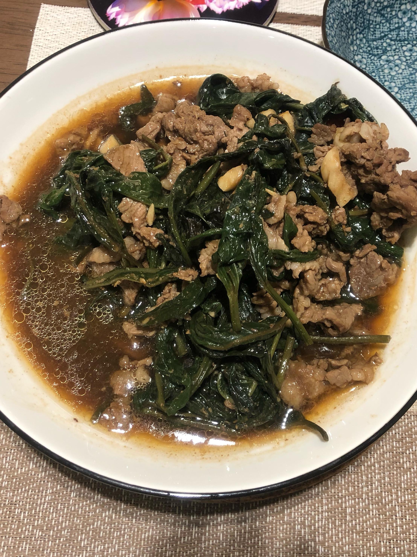 牛肉炒空心菜