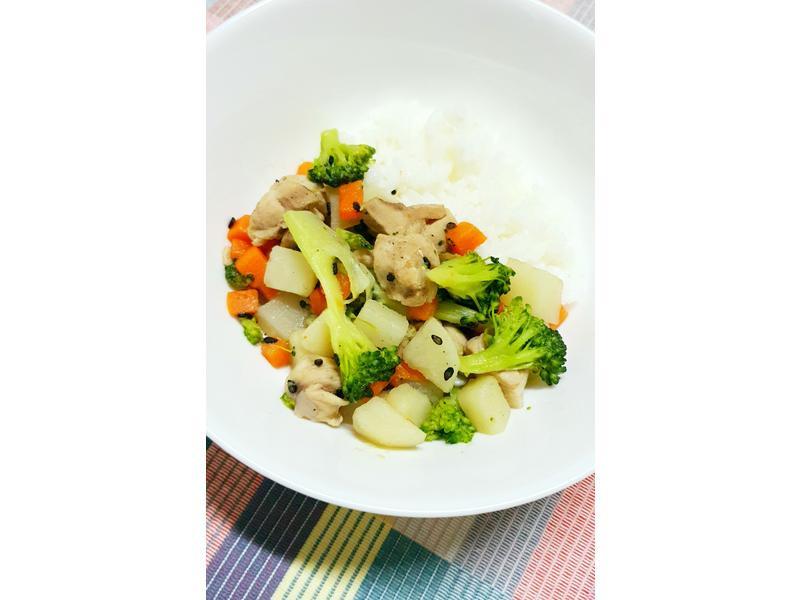 [寵物鮮食]芝麻鮮蔬雞腿肉