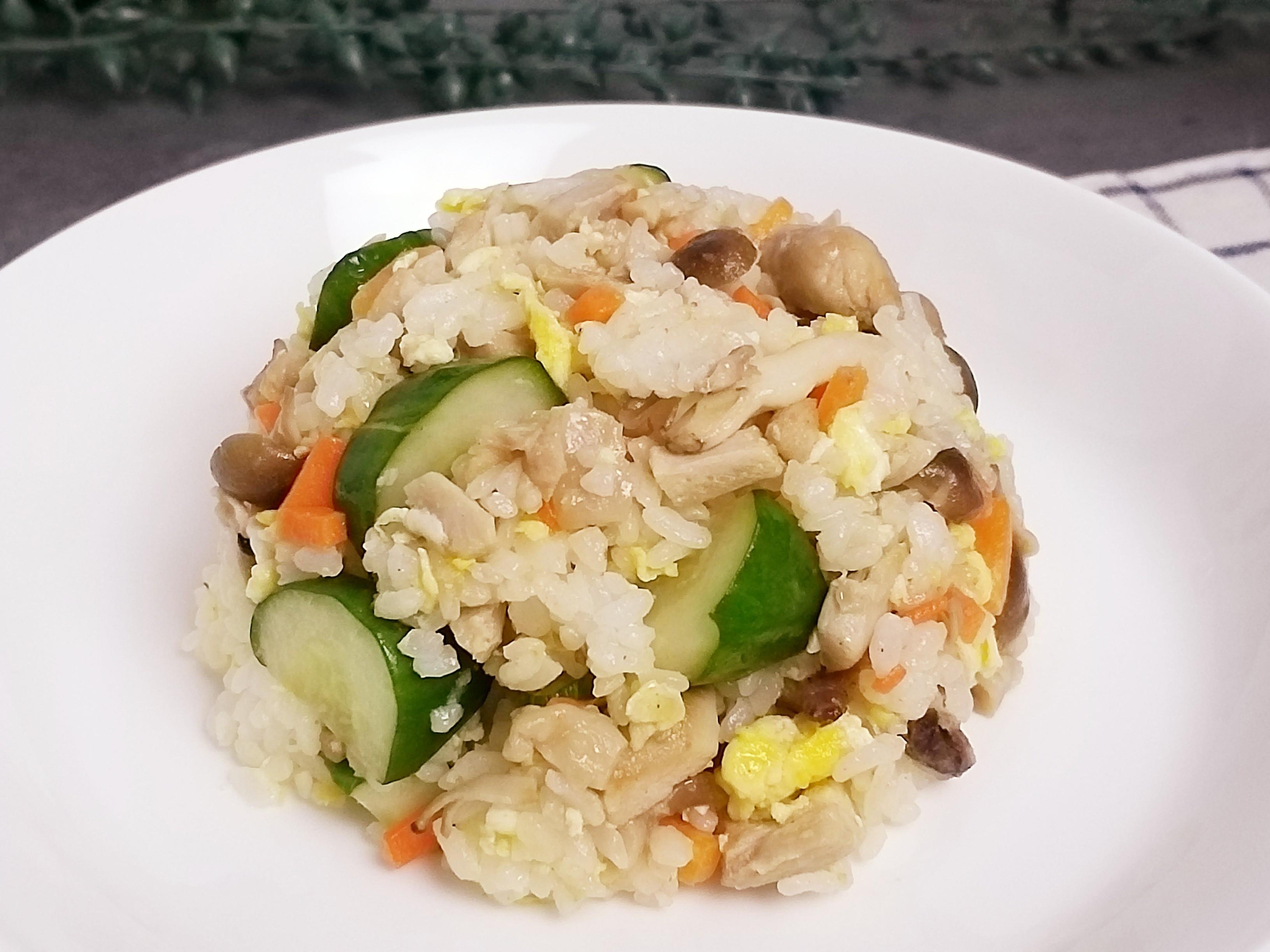 鴻喜菇嫩雞腿蛋炒飯【好菇道營養料理】