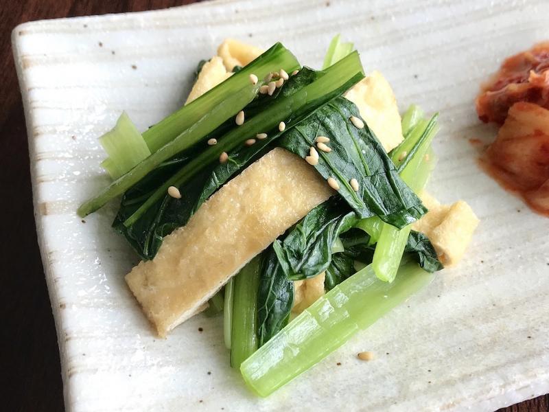 日式家常菜/簡易方便的涼拌菠菜炸豆皮