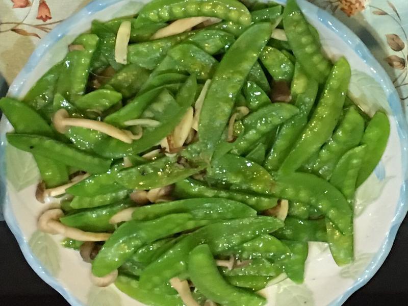 荷蘭豆炒鮮菇