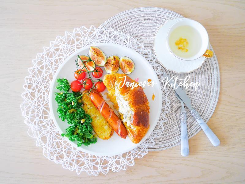 西式早餐🍳黑松露碎蛋牛角包