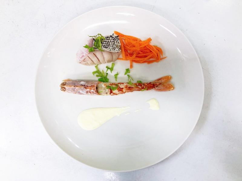 鹽煮天使紅蝦與鞍帶石斑魚佐慕斯林醬