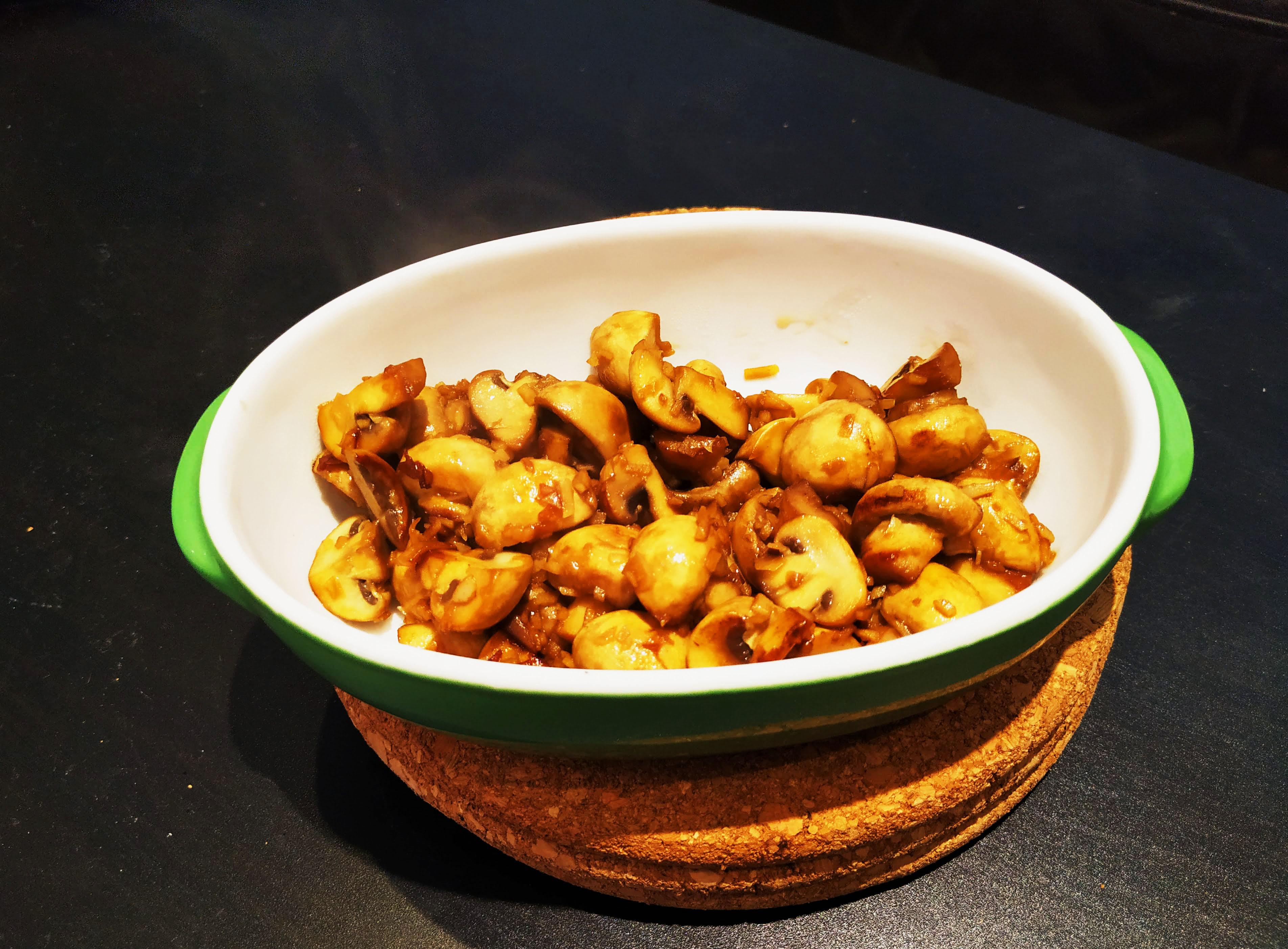 【暗蒜蘑菇】蒜香白酒炒磨菇