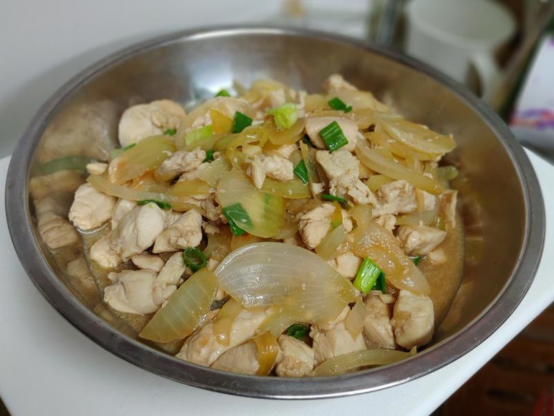超簡單洋蔥炒雞里肌肉