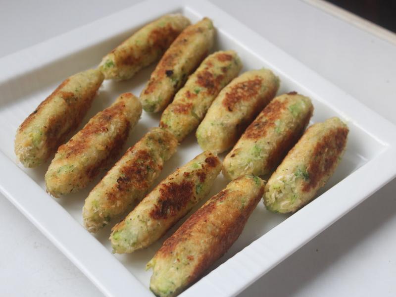 綠花椰菜馬鈴薯棒-手指食物