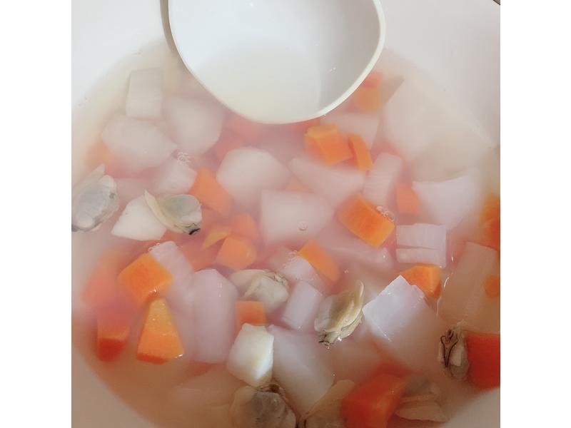 紅白蘿蔔干貝蛤蜊甘甜寶寶清湯-大同電鍋版