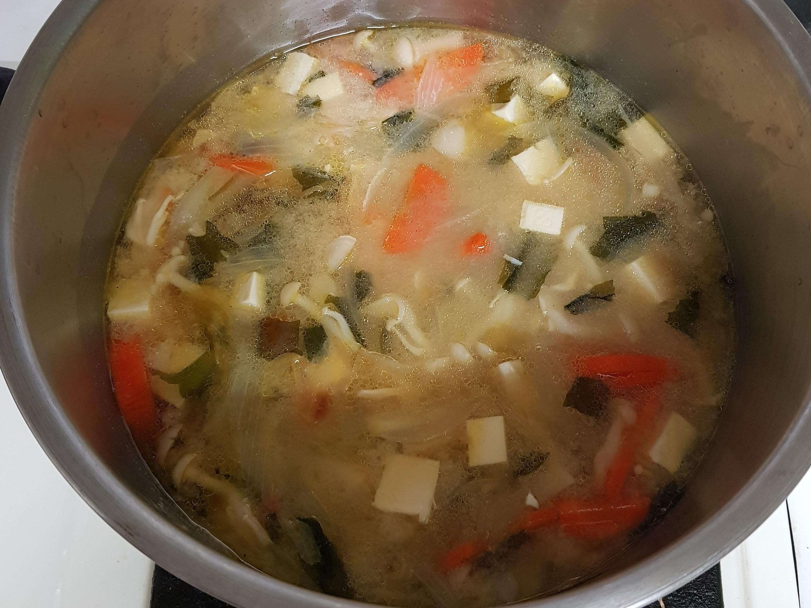 海帶味噌豆腐雪菇湯
