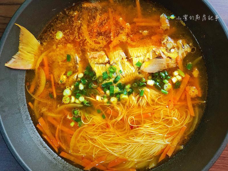 香辣魚湯麵線