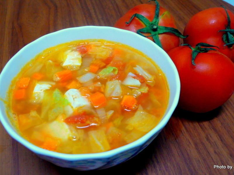 番茄蔬菜豆腐湯