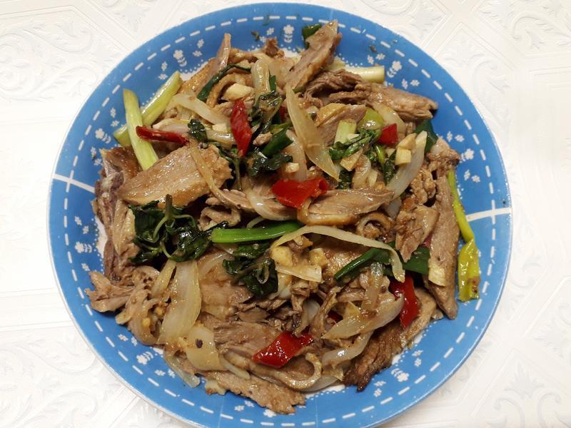 蔥爆沙茶鴨肉-中華二店氣炸鍋