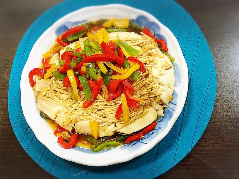 豆腐燴甜椒金針菇(水波爐料理)