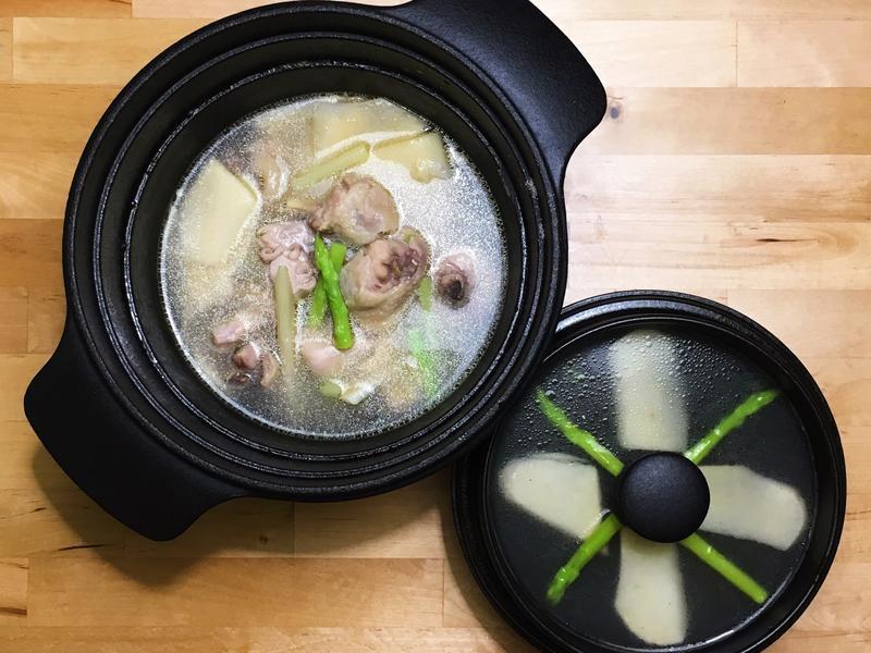 筍片翠玉雞湯