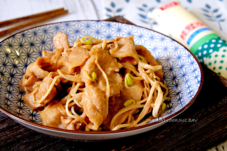 鹹甜燒肉炒豆芽