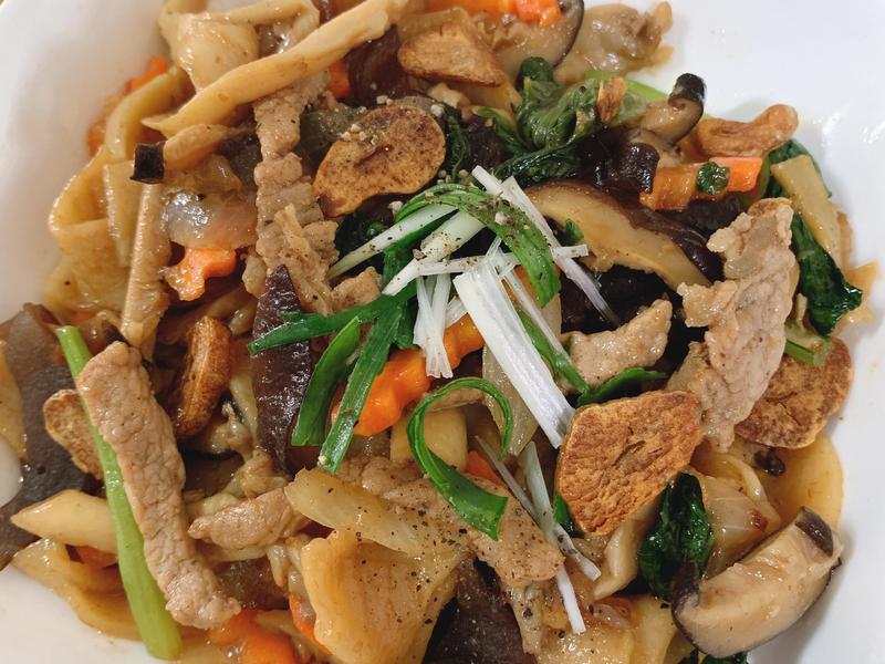 青菜肉絲炒粄條