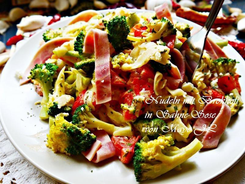 花椰菜白醬義大利麵