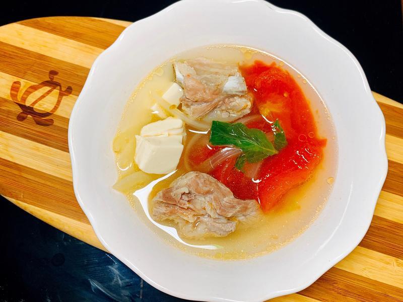 [電鍋]超簡單!!暖胃番茄洋蔥排骨湯