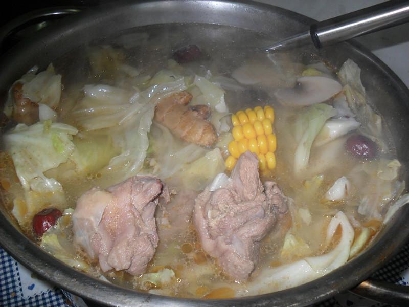 Y芬的小廚房--薑母鴨