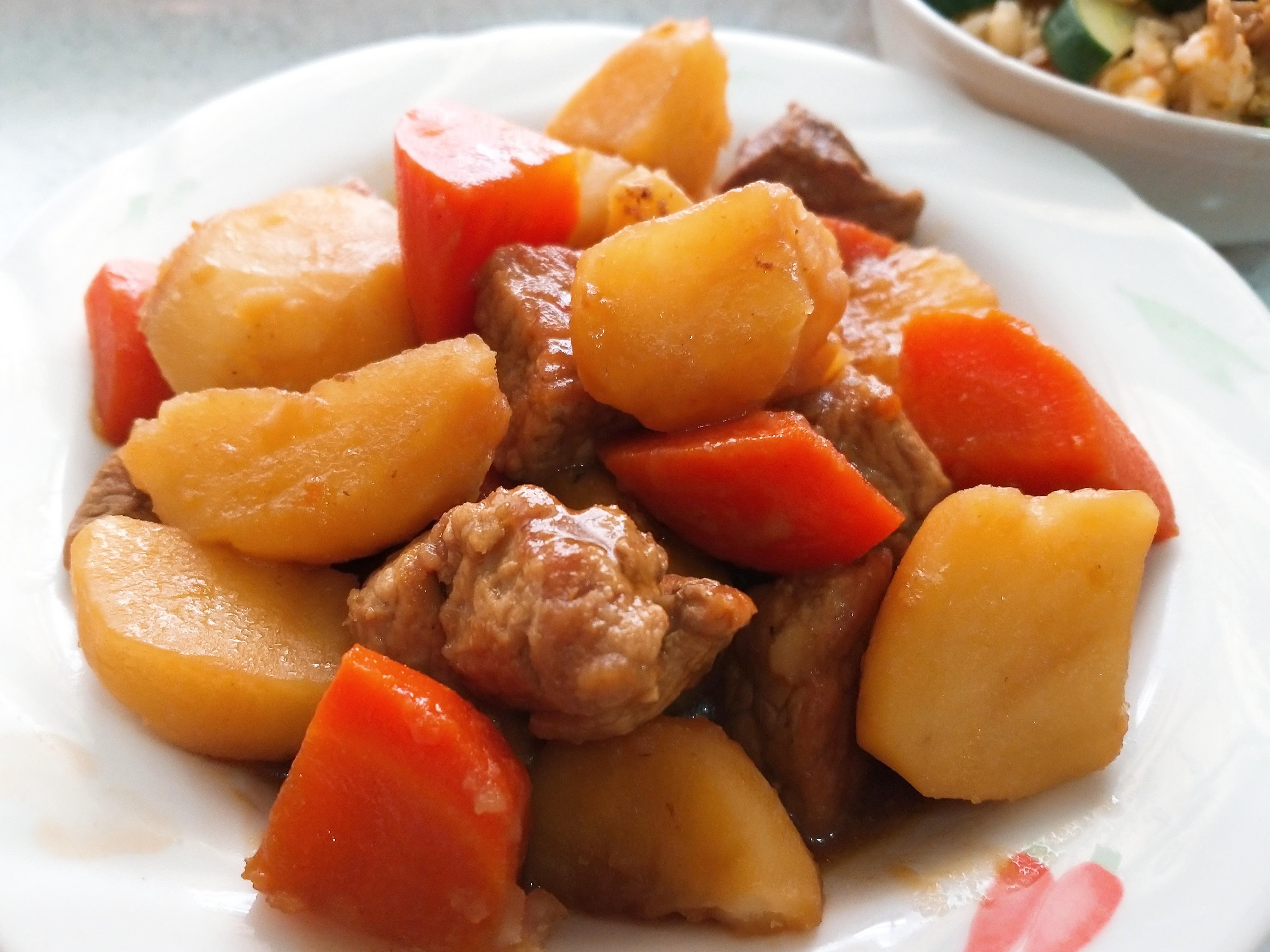 紅蘿蔔馬鈴薯燉肉