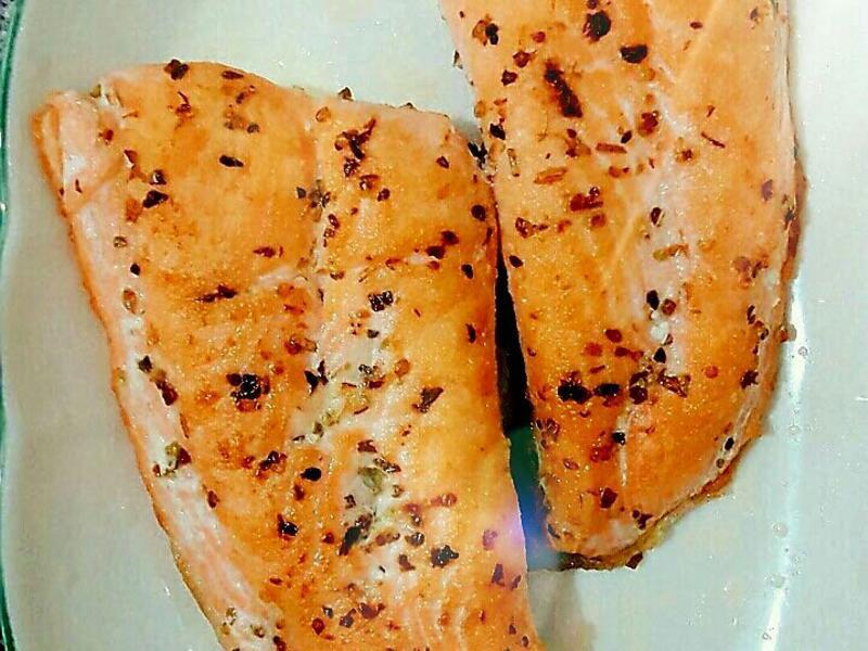 義式香草鮭魚排