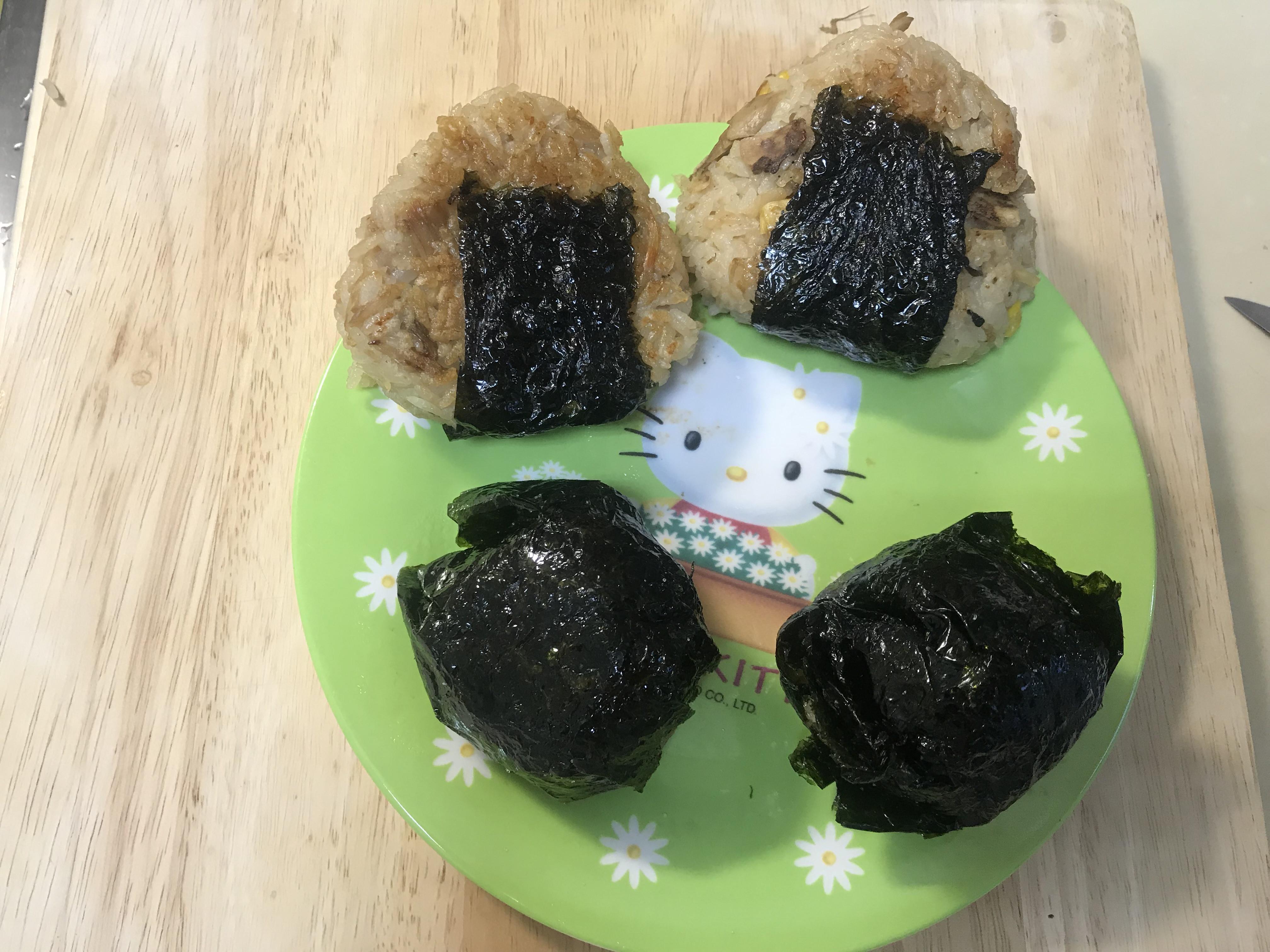 可外帶早餐~日式菇菇雞烤飯糰