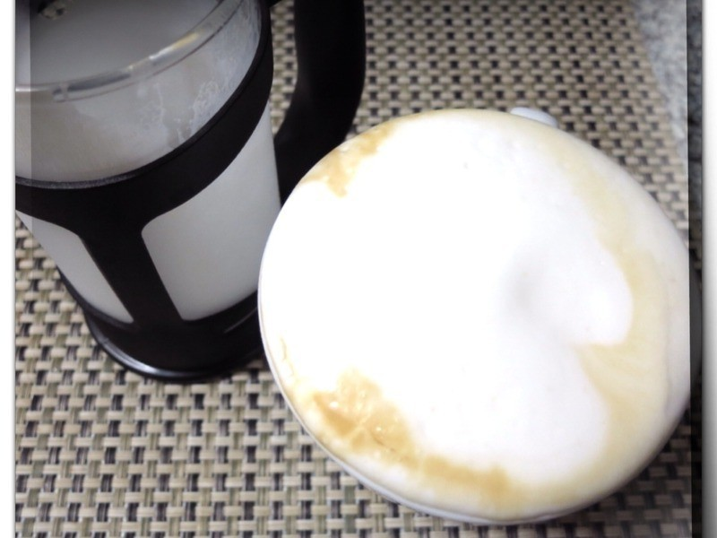 「旅行廚房」自己簡易打拿鐵咖啡奶泡