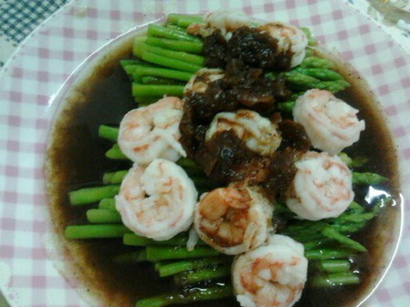 Y芬的小廚房--梅醬蘆筍蝦