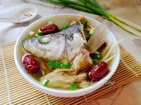 紅棗舞菇鱸魚湯