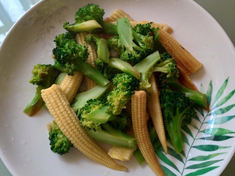 花椰菜炒玉米筍
