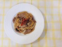 油漬番茄蒜末牛肉義大利麵
