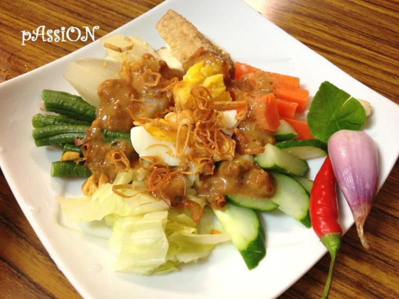 印尼料理。雜伴什錦沙拉,加多加多Gado gado