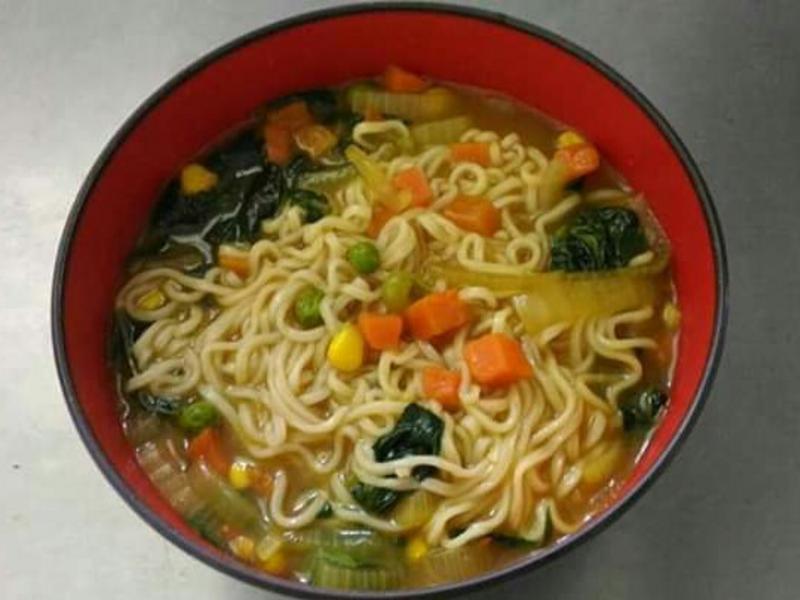 蔬菜咖哩湯麵