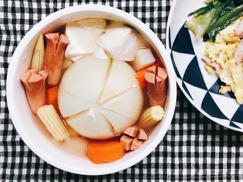 整顆洋蔥燉菜湯 (電鍋版)