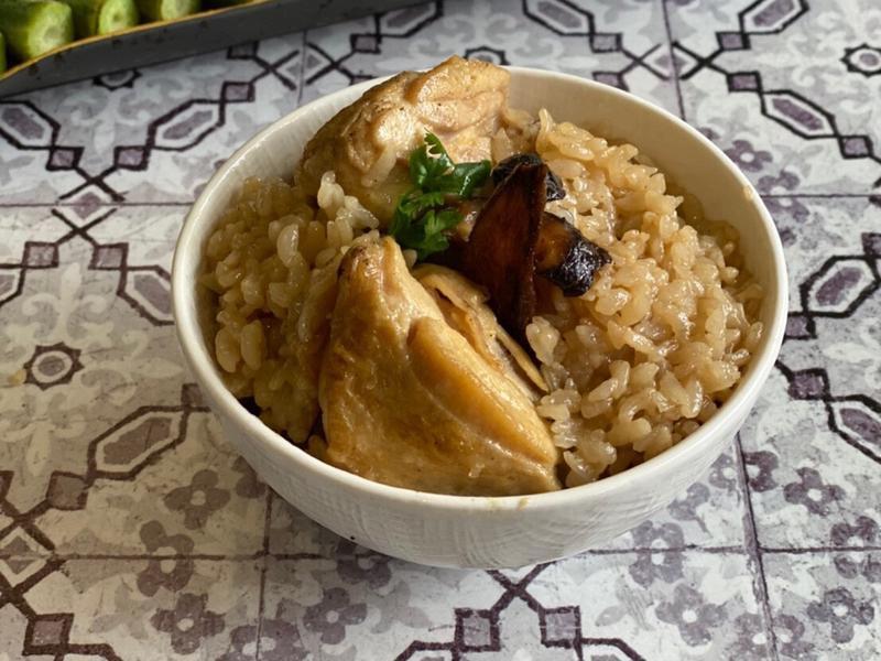 秋冬暖胃料理 <雞肉> 傳統麻油雞飯
