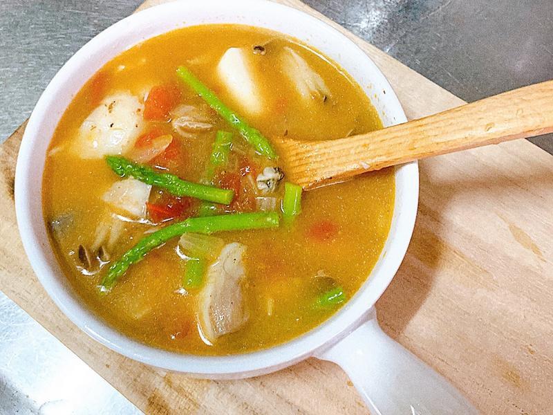 番茄菇菇海鮮湯🦞