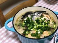 鑄鐵鍋料理《鮭魚頭豆腐味噌湯》