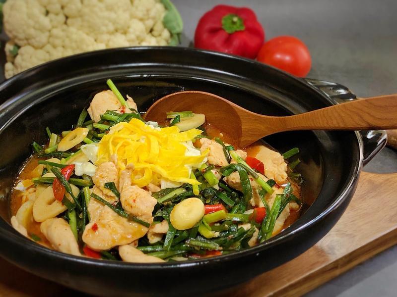 韭菜辣炒雞肉片