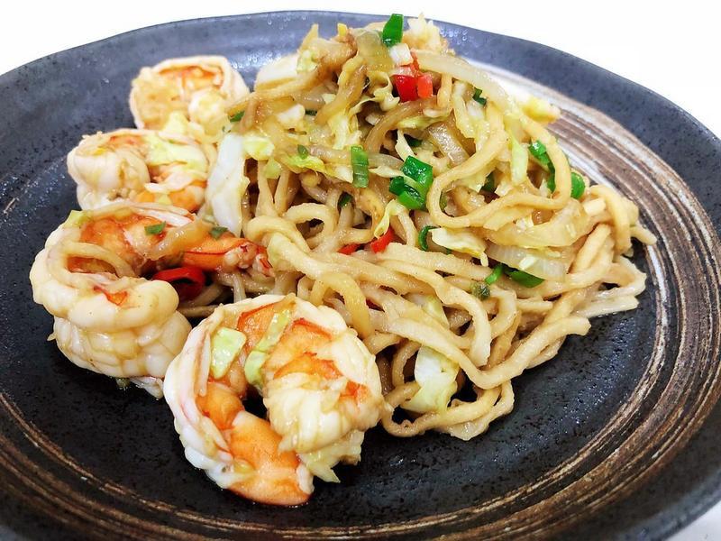 鮮蝦炒意麵
