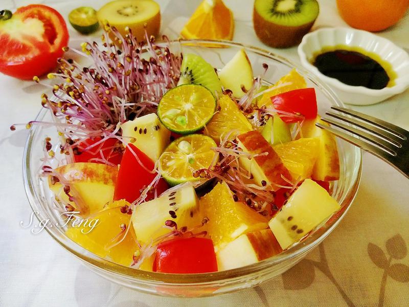 紫高麗菜苗水果油醋沙拉