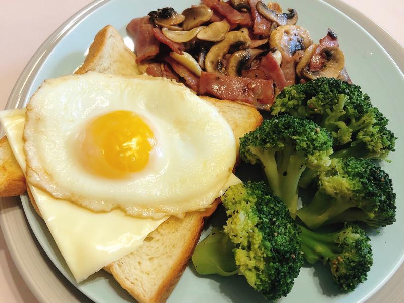 週二太陽蛋早午餐💜