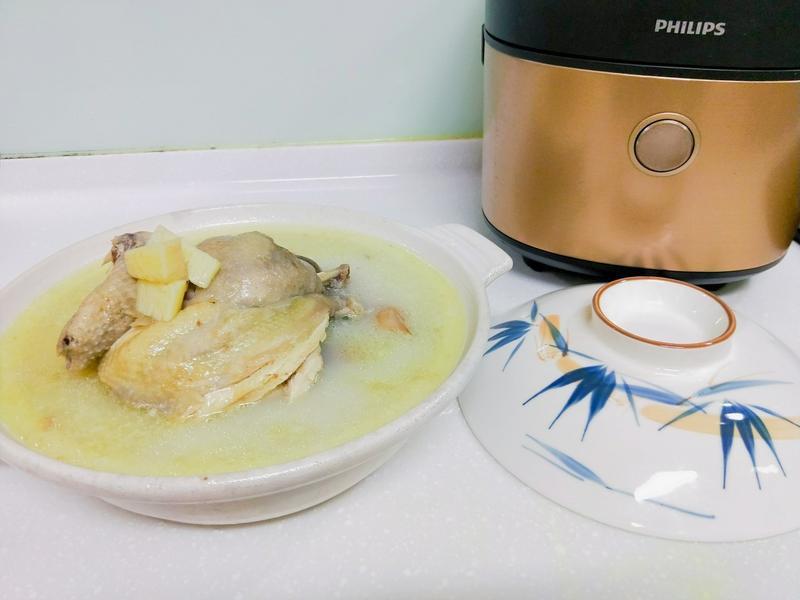 飛利浦萬用鍋-美顏銀耳山藥膠原雞湯