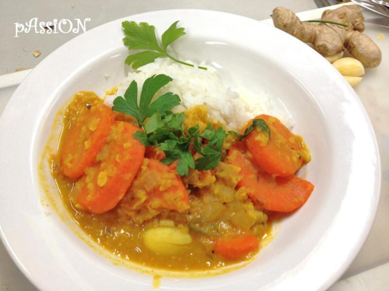 印度料理。Sambar香料扁豆燉蔬菜(5人份)